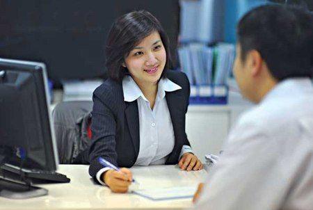 vietcombank tuyển dụng 28 nhân viên ngân hàng tại hội sở