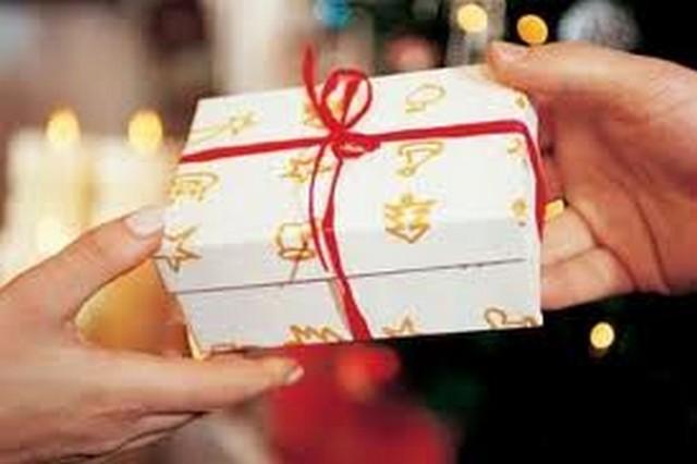 Thanh toán tiện lợi, quà tặng trao tay