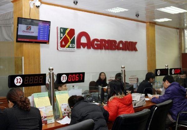 Khách hàng vay tiêu dùng tại ngân hàng Agribank