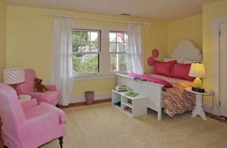 Phòng ngủ của cô con gái yêu nổi bật bởi gam màu hồng dễ thương.