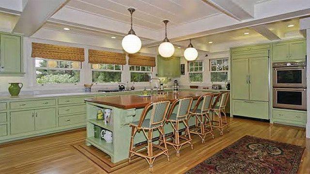Một phòng ăn khác được thiết kế với gam màu xanh dịu nhẹ.