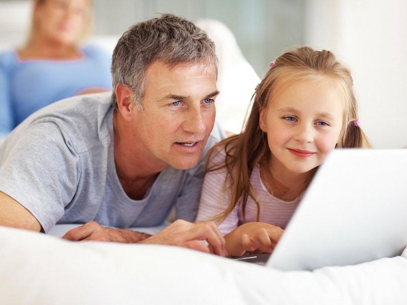 Có nên gửi tiết kiệm cho con thay vì mua bảo hiểm? ảnh 1
