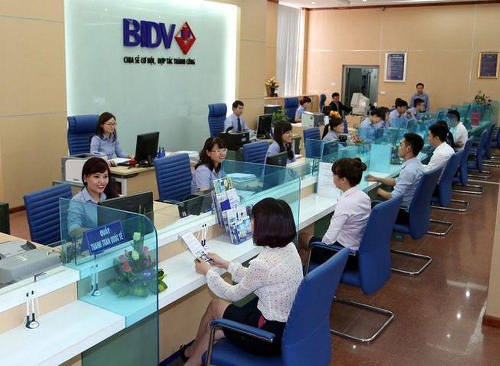 Khách hàng vay tín chấp theo lương tại ngân hàng